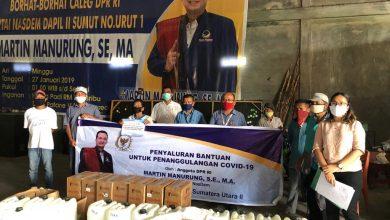 Photo of Martin Manurung Kirim Ribuan Sembako Bagi Warga Toba