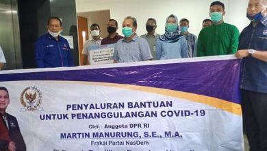 Photo of Anggota DPR RI Partai NasDem Serahkan Bantuan APD ke RS Rantauprapat