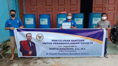 Photo of Martin Manurung Kirim 50 Wastafel ke 19 Kabupaten/Kota Di Dapil Sumut II