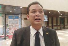Photo of Anggota DPR Ingatkan Masyarakat Tidak Termakan Hoaks: Vaksin Itu Aman dan Halal